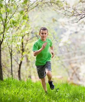 boyrunninggreen